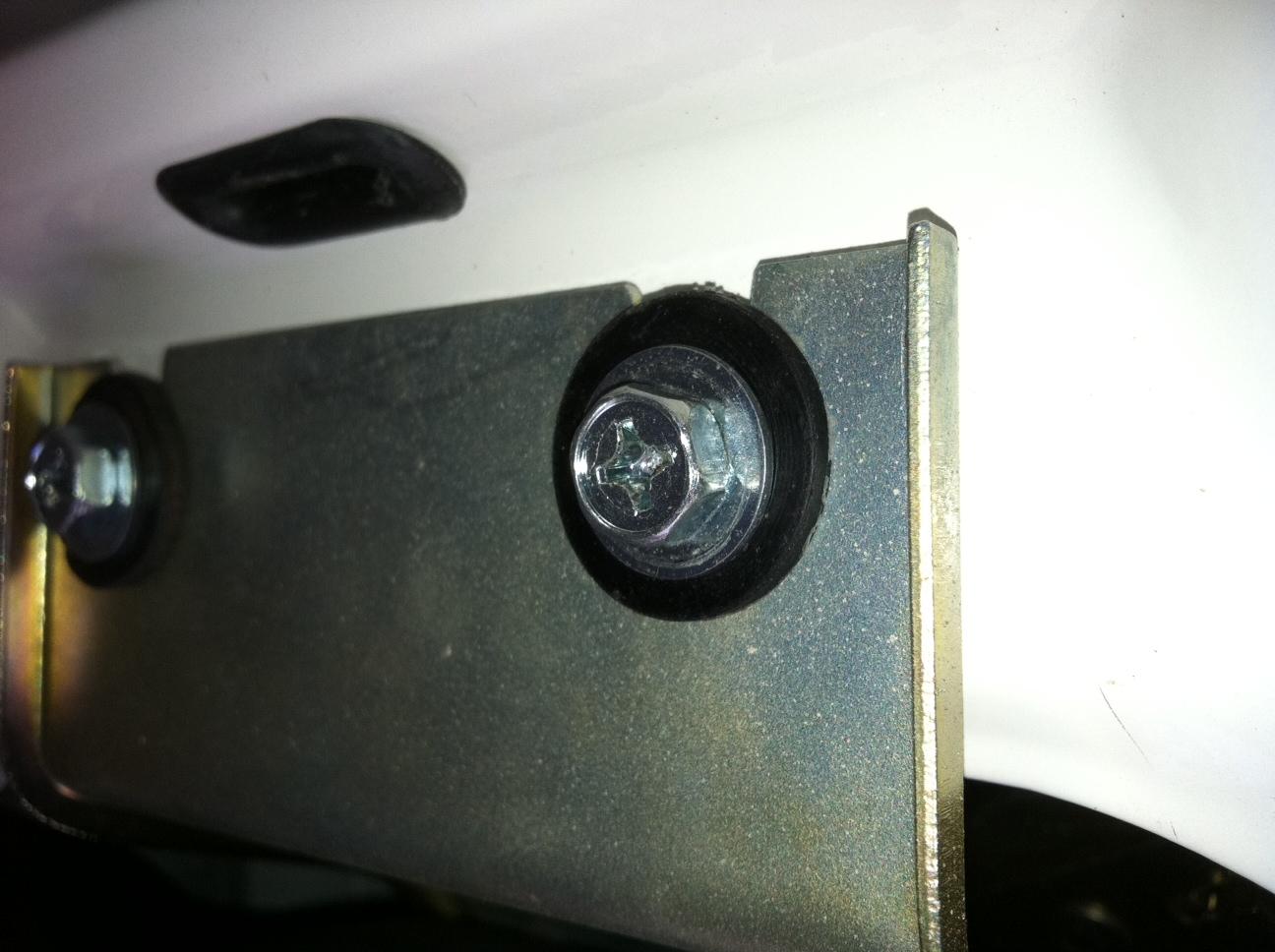 wiper motor mounr to body insulator